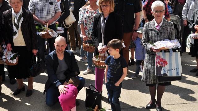 OŚWIĘCIM. Wielkanocne święcenie pokarmów na placu św. Maksymiliana