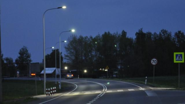 """OŚWIĘCIM-ZABORZE. Nowe latarnie stanęły przy """"krajówce"""""""