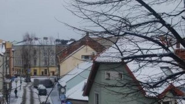 Oświęcim. Zadbajmy o bezpieczeństwo usuwając śnieg i sople z dachów