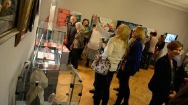 """Panie świętowały w muzeum. Otwarcie wystawy """"Stulecie kobiet"""""""