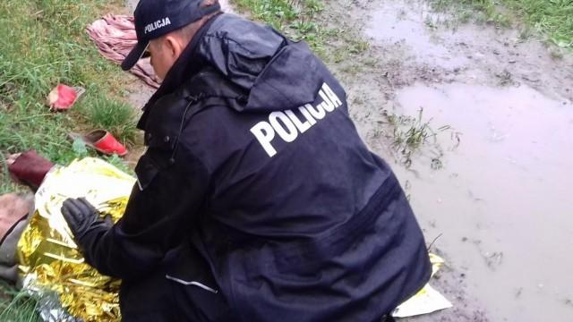 Penetrując opuszczone budynki ujawnili bezdomnego, który okazał się osobą poszukiwaną