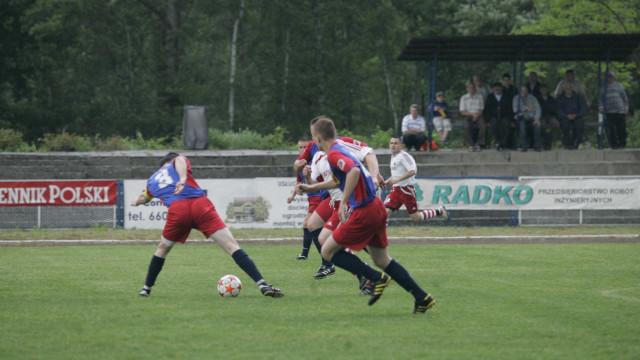 PIŁKA NOŻNA: Czwartoligowe derby w Rajsku. Futbolowy kalendarz na weekend