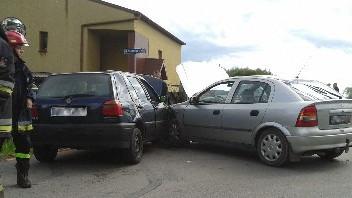 PIOTROWICE. Zderzenie samochodów na skrzyżowaniu