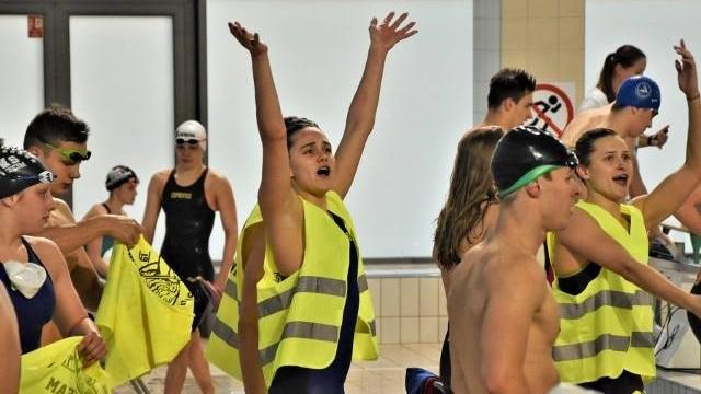 Pływacka liga SMS 2019. Oświęcim liderem po pierwszej rundzie, bo jego siłą była drużyna