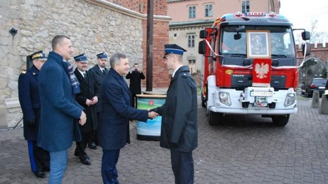 PODOLSZE. Ochotnicy mają nowy wóz strażacki