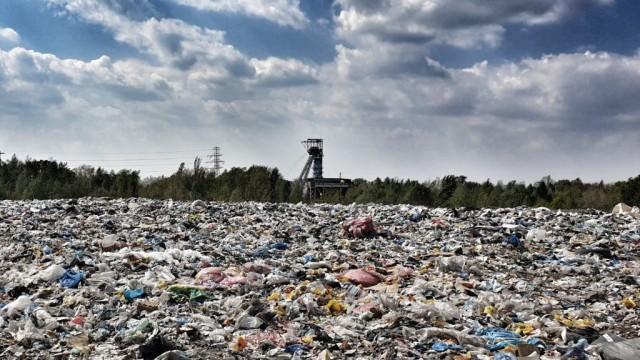 Podzielone głosy radnych w sprawie cen za odpady-od 1 sierpnia ceny w górę o blisko 70% - InfoBrzeszcze.pl