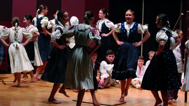 POLANKA WIELKA. I Międzynarodowy Dziecięcy Festiwal Folklorystyczny Doliny Karpia