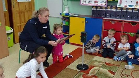 Policja w przedszkolu. Skończyło się na rozmowie – FOTO