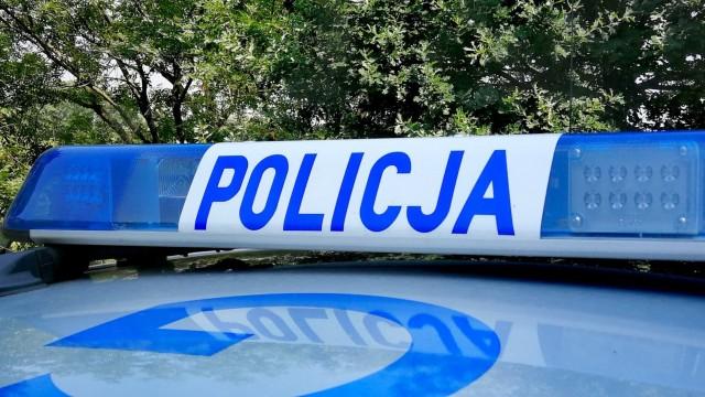 Policjanci poszukują złodziejek, które okradły seniorkę. Apelujemy o ostrożność w kontaktach z osobami obcymi