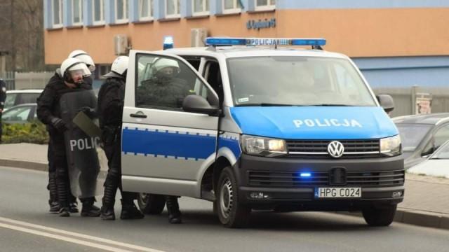 Policyjne zabezpieczenie meczu Unia Oświecim vs Beskid Andrychów – ZDJĘCIA!