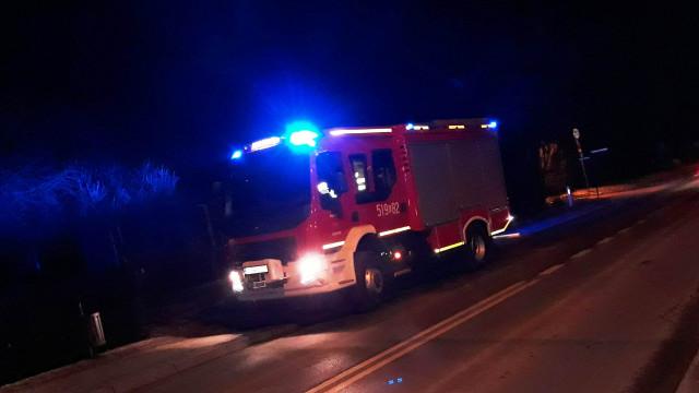 Pomiary tlenku węgla oraz pożar sadz. Wczorajsze wieczorne działania strażaków i ratowników medycznych.