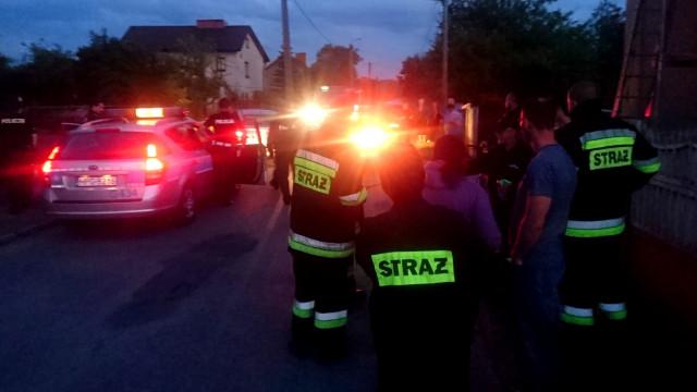 Poszukiwania zaginionej osoby w Przecieszynie. Wychłodzony mężczyzna odnaleziony przez strażaka OSP Brzeszcze. ZDJĘCIA !