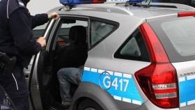 Poszukiwany próbował zbiec przez okno i wpadł w ręce policjantów