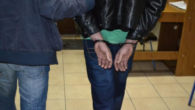 Poszukiwany wpadł w ręce policjantów - InfoBrzeszcze.pl