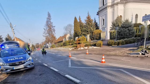 Potrącenie rowerzysty w Przeciszowie. Ranny w ciężkim stanie zabrany do Szpitala