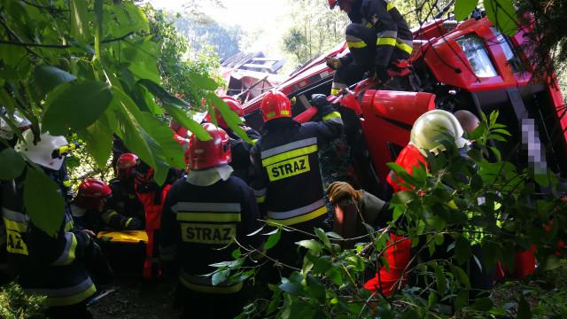 Poważny wypadek na DK28. Kierowca był nieprzytomny. ZDJĘCIA!