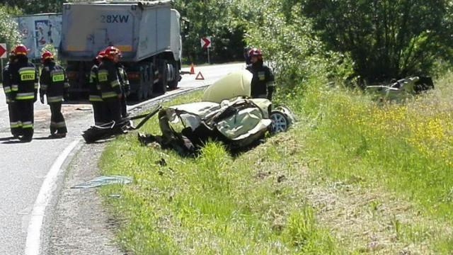 Poważny wypadek na DW933 w Brzeszczach ! ZDJĘCIA !