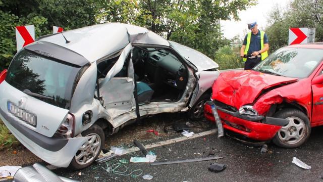Poważny wypadek w Bobrku. Nie żyje młoda kobieta. ZDJĘCIA!