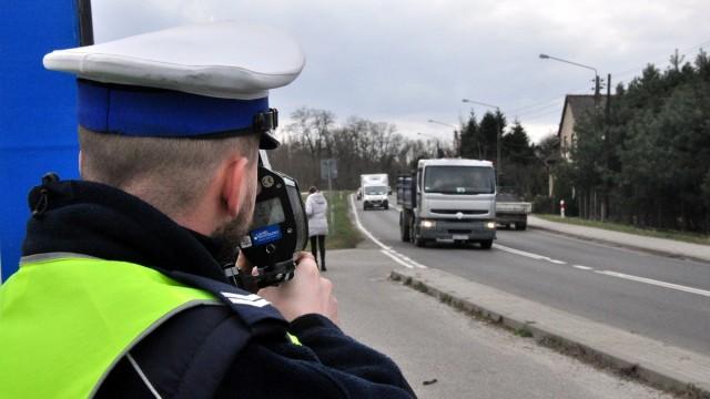 POWIAT. Czterech młodych kierowców straciło prawo jazdy na trzy miesiące