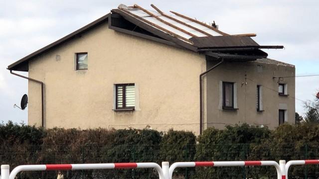 POWIAT. Nadal blisko 800 gospodarstw domowych bez prądu