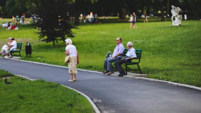 POWIAT. W marcu emeryci i renciści dostaną wyższe wypłaty