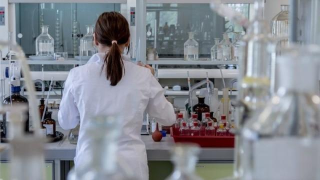 """Powiatowa """"Dwójka"""" zaprasza do udziału w konkursie chemicznym"""