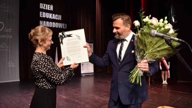 """Powiatowe obchody Dnia Edukacji Narodowej i jubileusz 60-lecia popularnego """"Ekonomika"""""""