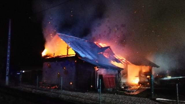 Pożar budynku gospodarczego w Palczowicach – ZDJĘCIA, FILM!