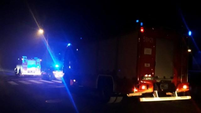 Pożar budynku mieszkalnego w Jawiszowicach- dwóm osobom strażacy udzielili pomocy - InfoBrzeszcze.pl