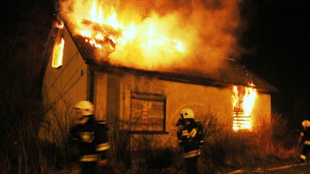 Pożar budynku w Przeciszowie. FOTO, FILM!