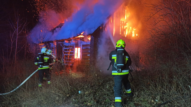 Pożar budynku w Przeciszowie. Zablokowana DK44 – ZDJĘCIA, FILM!