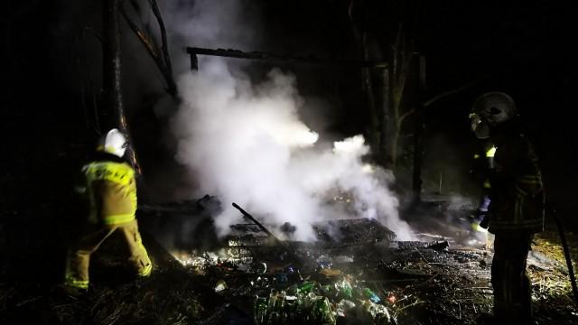 Pożar drewnianej altany w Zatorze – ZDJĘCIA, FILM!