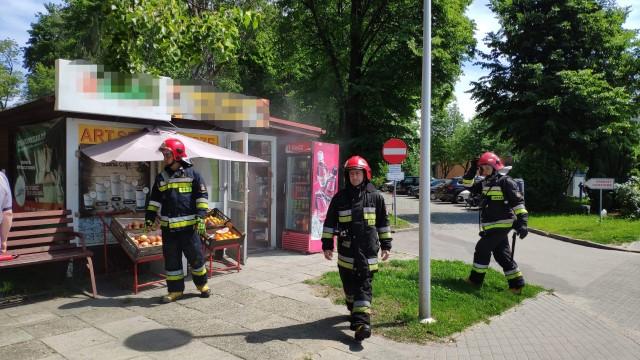 Pożar kiosku na terenie Szpitala w Oświęcimiu – ZDJĘCIA!