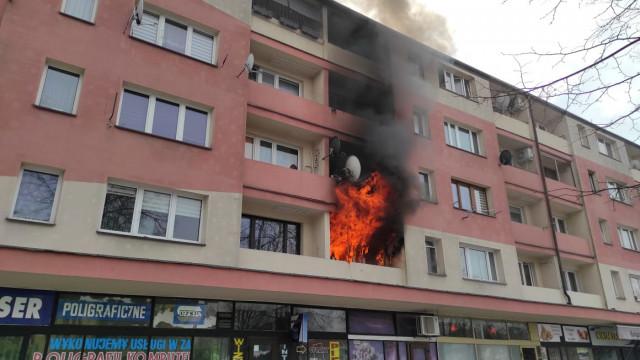 Pożar mieszkania w Oświęcimiu, trwa akcja gaśnicza – ZDJĘCIA!