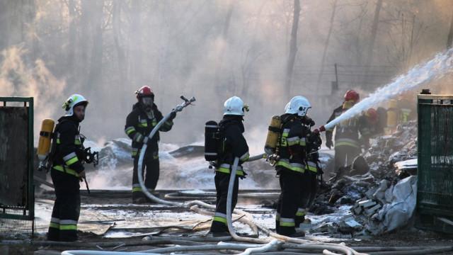 Pożar składowiska plastiku w Oświęcimiu. Na miejscu kilkanaście zastępów. FILMY, ZDJĘCIA!