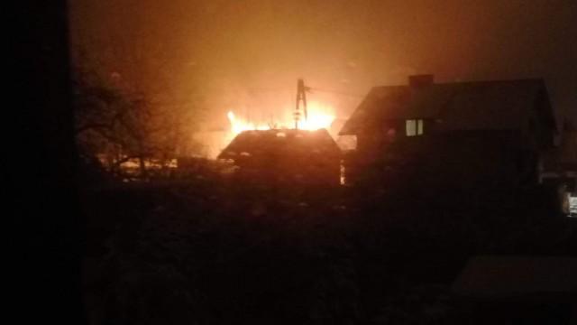 Pożar w Bulowicach. Płoną zabudowania gospodarcze. FOTO!