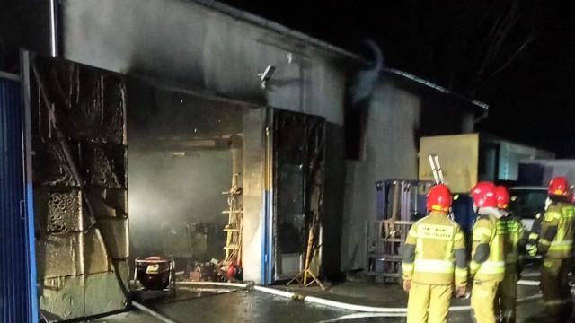 Pożar warsztatu samochodowego - InfoBrzeszcze.pl