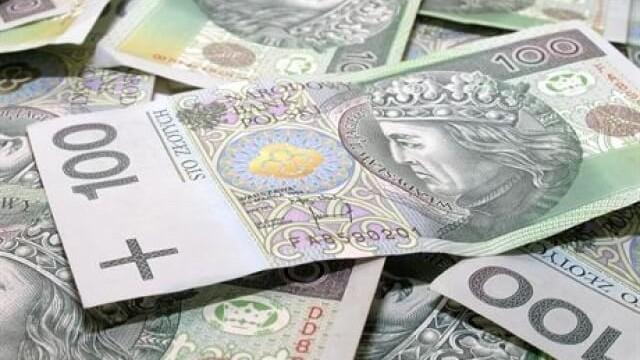 Pożyczka 10 000 zł – w jakich sytuacjach wziąć i gdzie jej szukać?