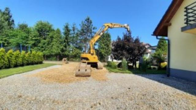 Prace przy budowie kanalizacji idą pełną parą