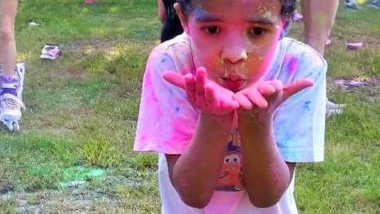 Proszek Holi hitem dnia dziecka – FOTO