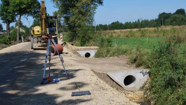 Przebudowa drogi powiatowej łączącej Babice i Harmęże