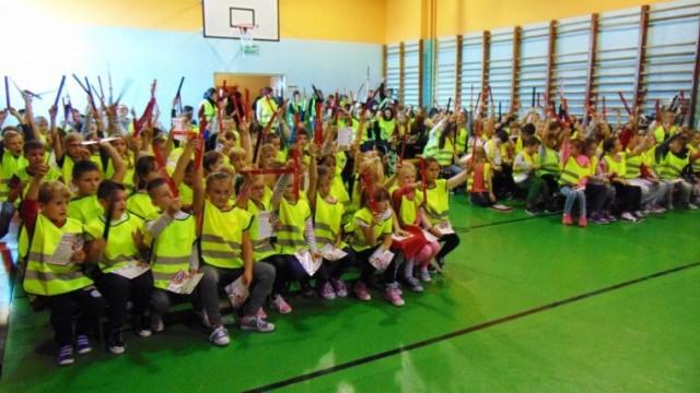 """Przeciszów. """"Odblaskowa Szkoła"""". Sport to zdrowie, a odblaski to bezpieczeństwo"""