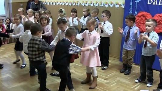 Przedszkolaki z Zaborza dla babć i dziadków
