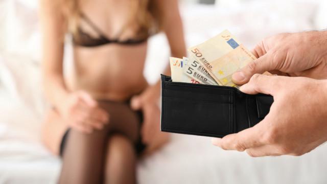 Przez osiem lat zmuszał kobietę do prostytucji