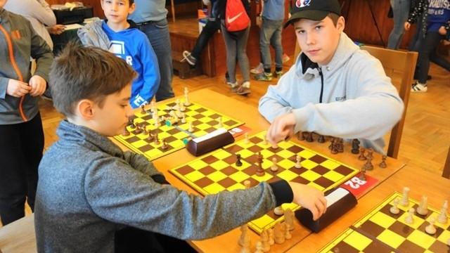 Reprezentacja MDK liderem turnieju szachowego