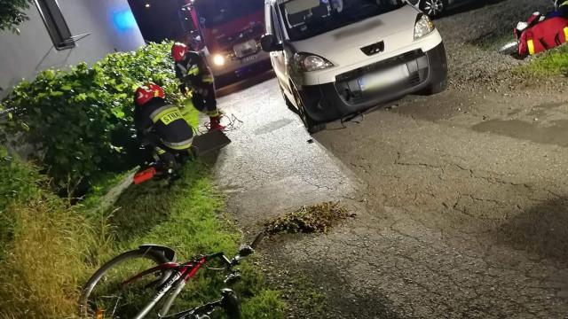 Rowerzystka potrącona, a następnie przejechana przez samochód w Babicach ! ZDJĘCIA !