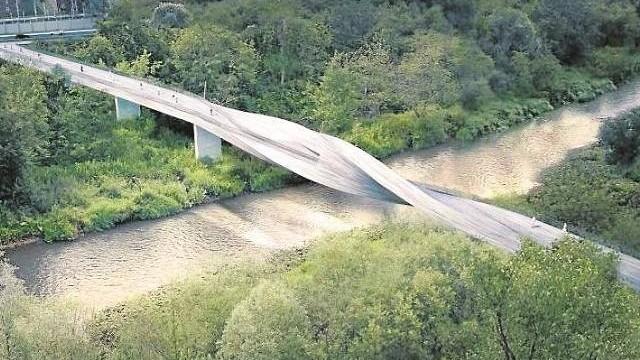"""Są miliony na """"Most Duchów"""". Mieszkańcy mają jednak ważniejsze pytanie"""