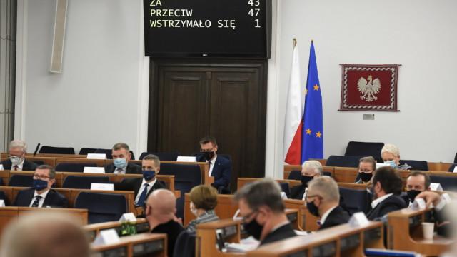 Senat przyjął uchwałę ws. obrony wolnych mediów