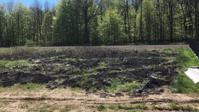 Seniorka chciała spalić gałęzie, a podpaliła łąkę