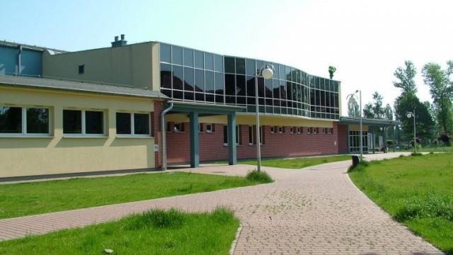 """Sesja Rady Powiatu (tym razem) w hali oświęcimskiego """"Chemika"""""""
